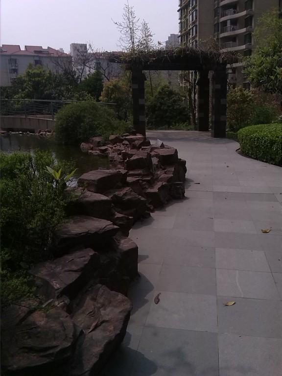 瑞虹新城二期小区照片10
