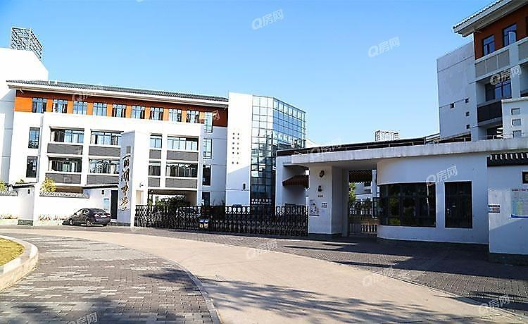 深圳大学城丽湖实验学校(初中部)9