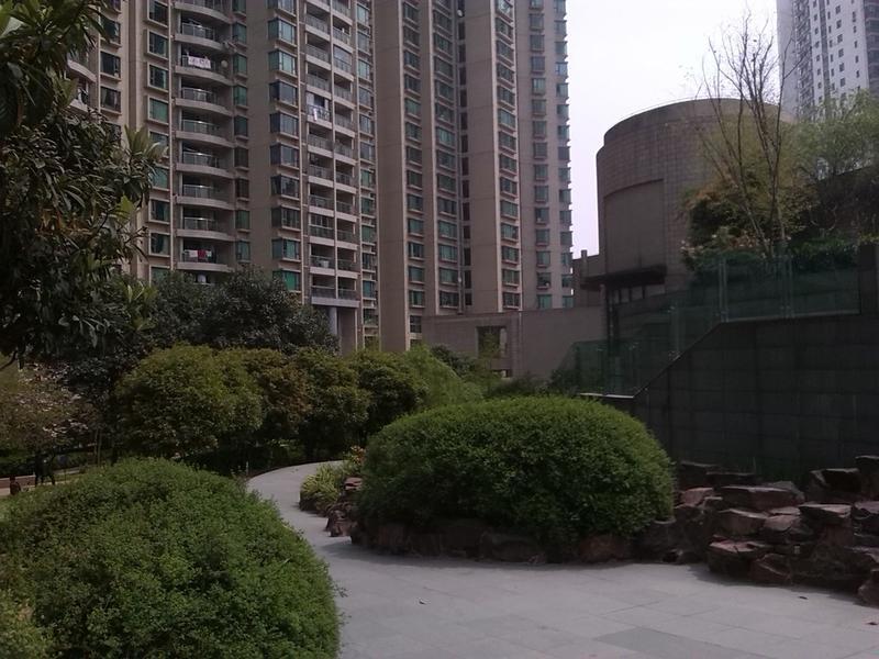 瑞虹新城二期小区照片2