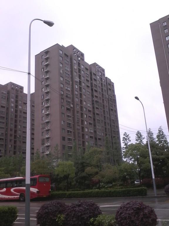 地杰国际城三期D街坊小区照片12