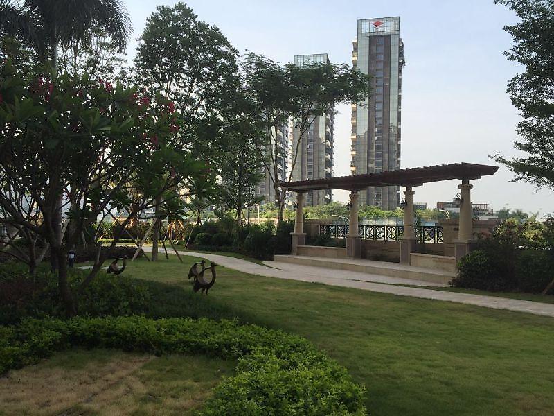 恒裕滨城花园一期小区照片1